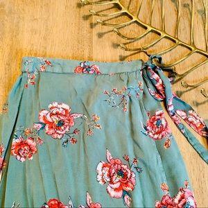 💫 3/25 SALE! Sage floral wrap skirt